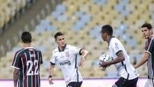 Corinthians tem reforços de Gabriel e Mateus Vital para clássico contra o Santos