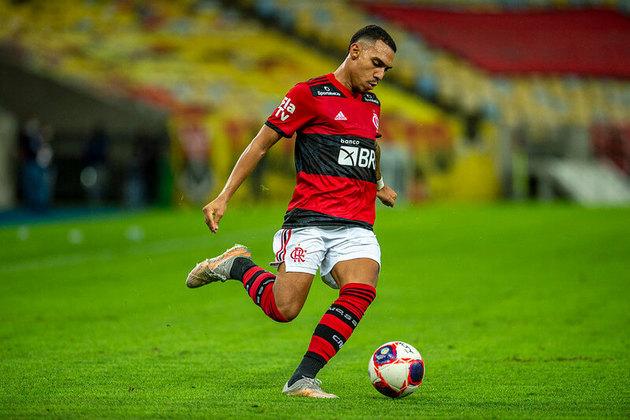 Matheuzinho (20 anos) - Lateral-direito - 19 jogos