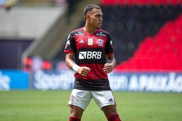 Matheuzinho - Lateral-direito - 20 anos - Contrato até 31/12/2022