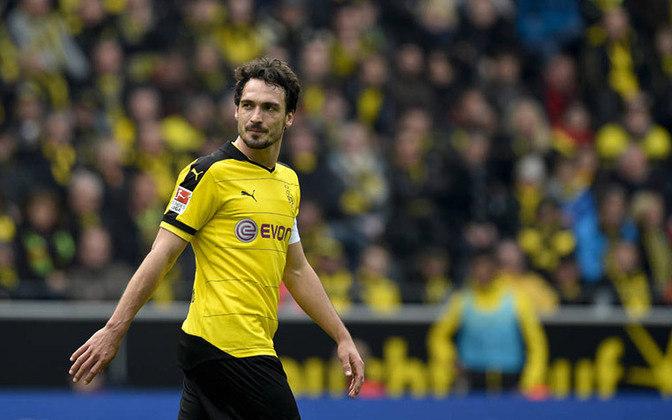 Mats Hummels (titular): Após uma passagem vitoriosa pelo Bayern de Munique, retornou ao Borussia Dortmund e hoje é um dos líderes da equipe.