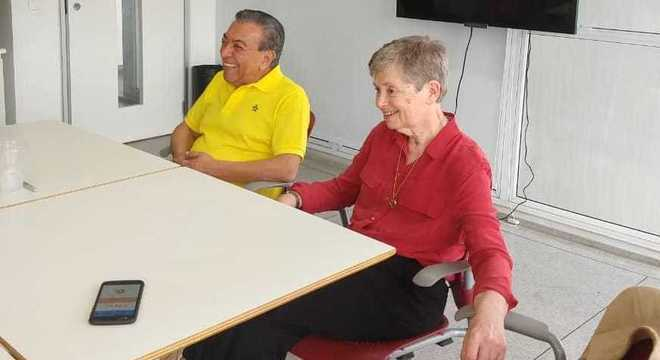 Mauricio e Regina durante coletiva de imprensa