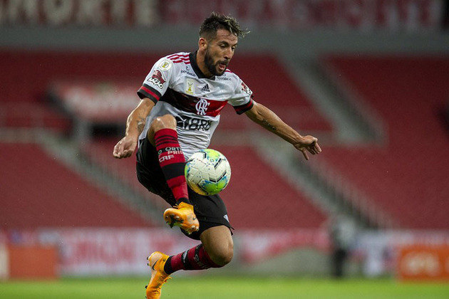 Maurício Isla - 29 jogos; 2 gols; 5 assistências
