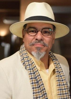 Ator contribuiu para figurino de Carlos