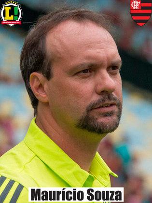 MAURÍCIO SOUZA - 6,0 - O Flamengo teve o controle da partida na maior parte dos 90 minutos, com paciência para tocar a bola e fazendo a pressão pós-perda. Faltou, contudo, repertório ofensivo para criar lances de perigo.