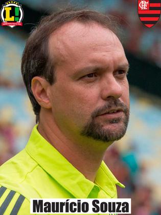 Mauricio Souza - 7,0 - Ainda no comando do Fla, o interino conseguiu mais uma vitória como manda o figurino: dominou grande parte do jogo e não foi vazado.