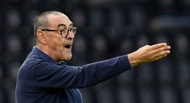 Maurizio Sarri é dispensado depois de desclassificação na Champions League
