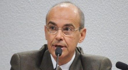 Para o presidente do Conselho Federal de Medicina, Mauro Ribeiro, o médico precisa ter autonomia para decidir que remédio usar