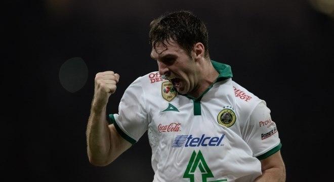 Mauro Boselli, de 33 anos, chega com status de titular ao renovado time de Carille
