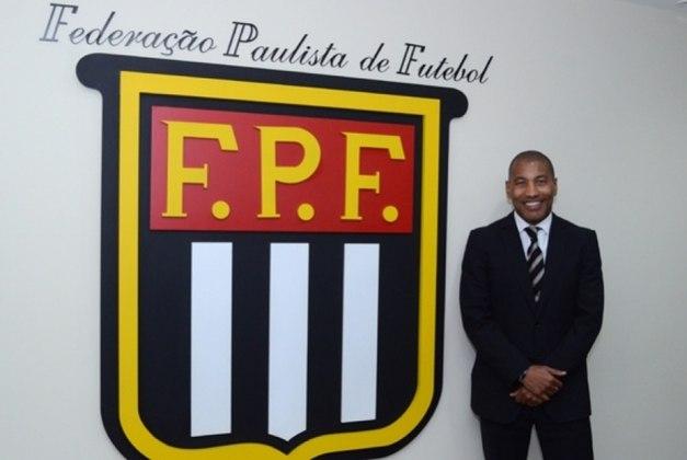 Mauro Silva - Atualmente, o cão de guarda do tetra ocupa o cargo de Vice-Presidente de Integração com Atletas da Federação Paulista de Futebol(Foto: Reprodução)