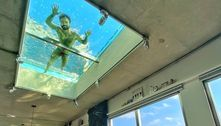 Filho de Mauricio de Sousa viraliza com foto de piscina no teto da sala