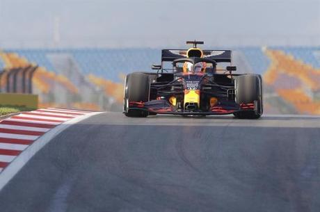 Verstappen superou o companheiro de equipe