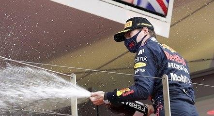 Verstappen comemora vitória em Monaco
