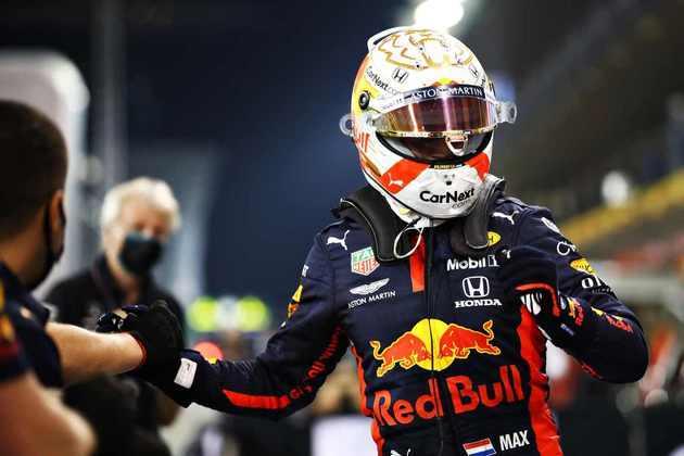 Max Verstappen comemora pole em Abu Dhabi.