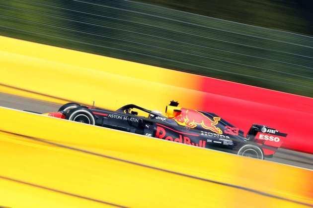 Max Verstappen em ação durante o GP da Bélgica