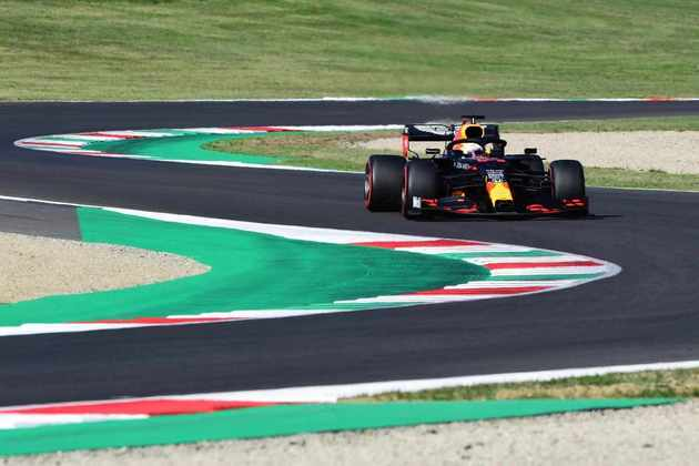 Max Verstappen fez 1min15s546 e larga em terceiro na Toscana