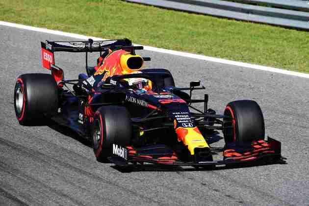Max Verstappen fez corrida discreta em Monza até abandonar na volta 30