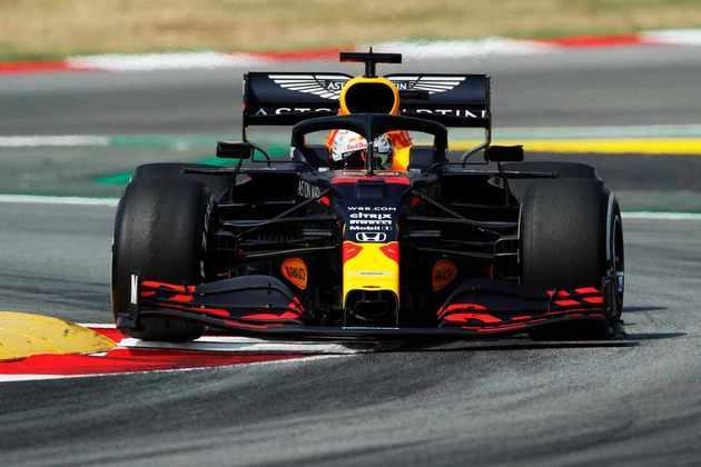 Max Verstappen foi o terceiro melhor da sexta-feira na Catalunha