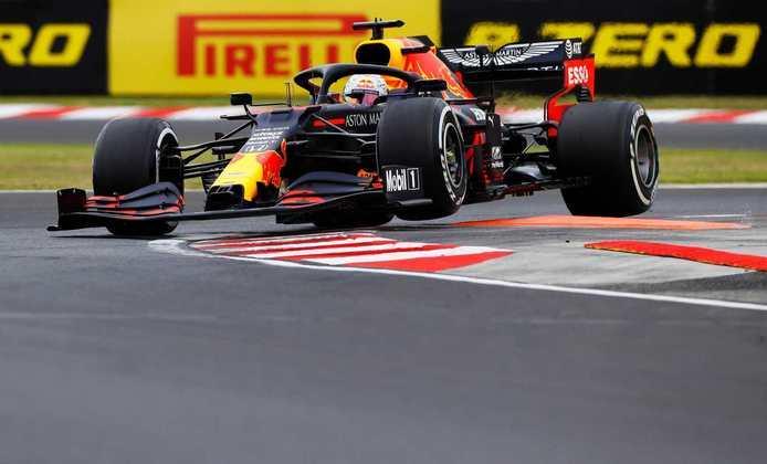 Max Verstappen foi um discreto oitavo colocado no TL1