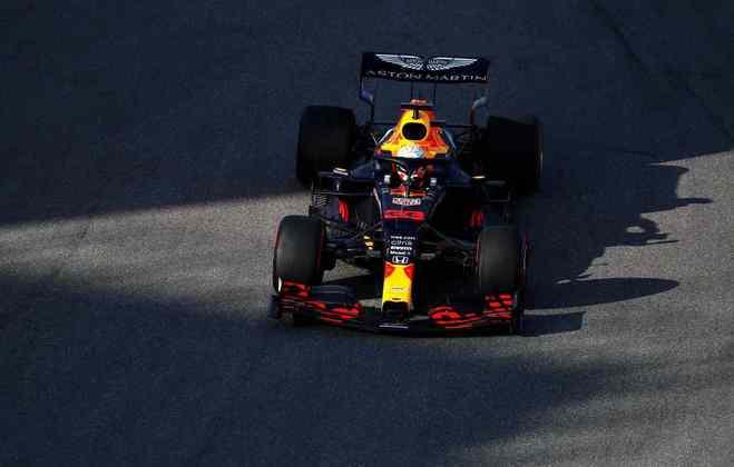 Max Verstappen não ficou plenamente satisfeito com a sexta-feira em Sóchi