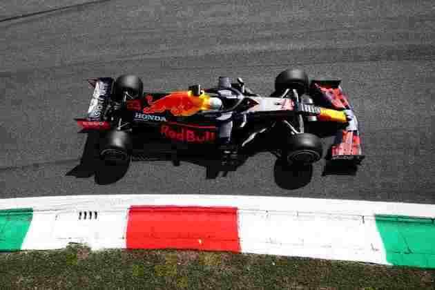 Max Verstappen não repetiu o bom desempenho das últimas etapa e ficou em quinto