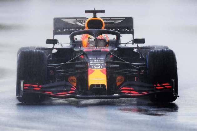 Max Verstappen vai largar da segunda posição. É o maior favorito a vencer.