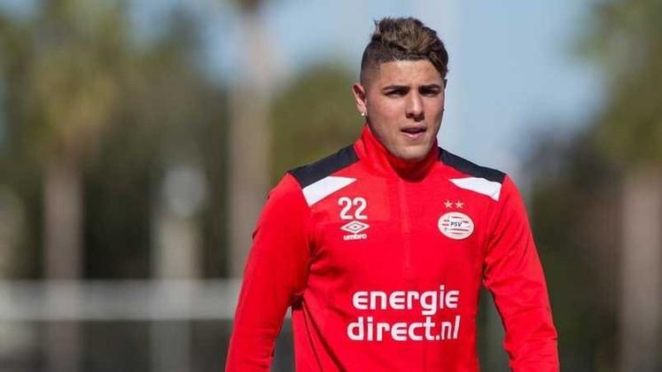 Maximiliano Romero, de apenas 21 anos, joga no PSV como centroavante. Ele iniciou sua carreira no Vélez Sarsfield e foi para o clube holandês, com o qual tem contrato até 2023. Seu valor de mercado é de 3 milhões de euros (R$ 19,6 milhões).
