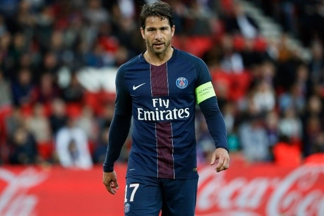 Maxwell – O brasileiro é atual dirigente do clube francês, do qual foi jogador entre 2012 e 2017. Foi escolhido para ser o lateral-esquerdo do time de Mbappé