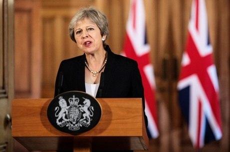 Theresa May luta para chegar a um consenso