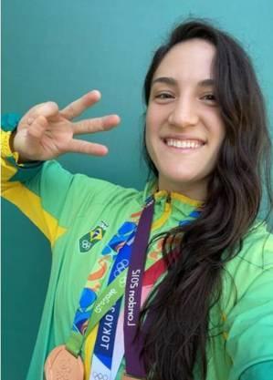 Mayra Aguiar é dona de 3 bronzes