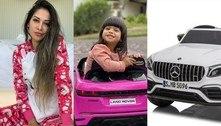Mayra Cardi presenteia filha com carros miniaturas de R$ 8 mil