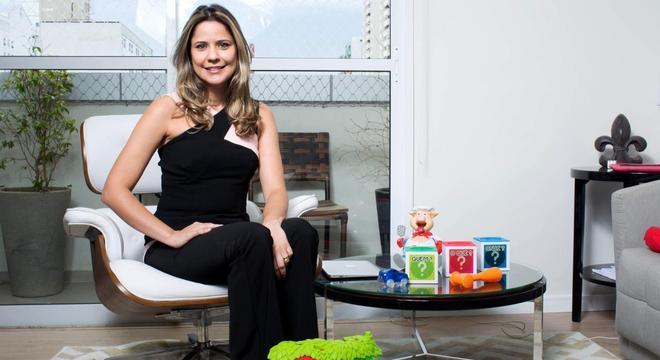 A psicóloga Mayra Gaiato colocou nos livros sua experiência de 15 anos na área