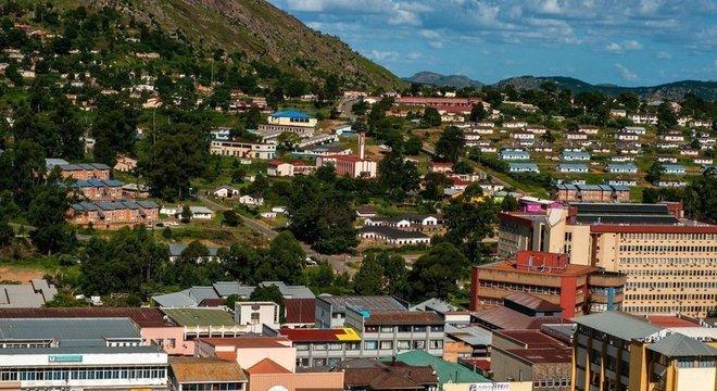 Em abril de 2018, o rei anunciou que o país passaria a se chamar eSwatini, que significa 'Terra dos Suazi'