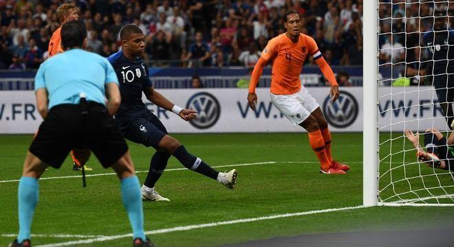 Mbappé, o momento exato do gol do 1 X 0