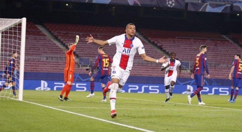 Mbappé, marcou três gols. Atuação impressionante. Por isso que é cobiçado pelo Real Madrid