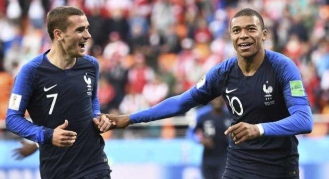 Mbappé e Griezmann - França x Peru
