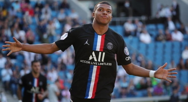 Atacante afirma que seus planos são de ficar no Paris Saint Germain