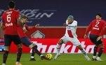 Sem Neymar (lesionado), o PSG não teve a mesma força em campo e apenas empatou com o Lille em confronto direto pela liderança do Campeonato Francês. Com o resultado, o time parisiense do craque M´Bappé ocupa apenas o terceiro lugar do torneio, liderado pelo Lille