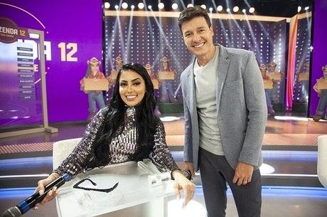 MC Mirella participou do 'Hora do Faro'