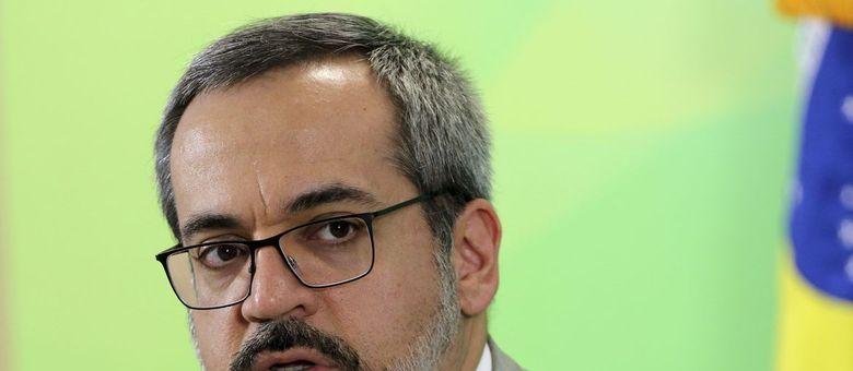 MPF pede explicações a ministro da Educação sobre povos indígenas