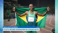 Medalhista olímpico: atleta recebe homenagem na cidade natal