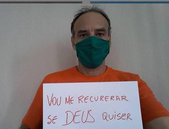 Medalhista de prata nos Jogos Olímpicos de Pequim, em 2008, o ex-jogador de vôlei de praia Márcio Araújo testou positivo para o novo coronavírus. Ele fez o anúncio nas redes sociais neste sábado e também revelou que não conseguiu leito nos hospitais de Fortaleza, mas demonstrou confiança na recuperação.