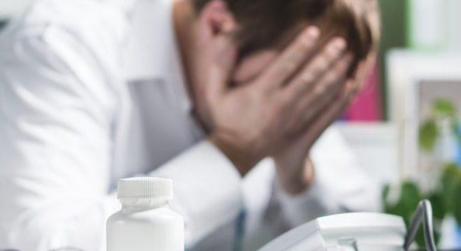 A constante tomada de decisões gera estresse entre os profissionais de saúde