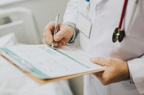 Despesas médicas devem ser comprovadas no IR