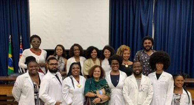 Médicos e médicas negras fundaram o Instututo Luiza Mahin, criado para reunir profissionais de todo o país e desenvolver projetos para reduzir a desigualdade racial na medicina