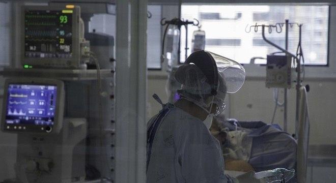 Mais de 24,8 milhões pessoas foram infectadas em todo o mundo