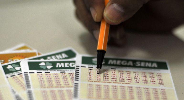 Mega-Sena pode pagar R$ 12 milhões no próximo sorteio