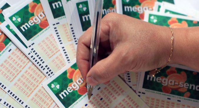O valor de uma aposta simples na Mega é de R$ 4,50