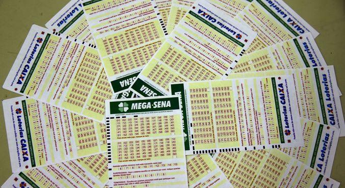 A aposta simples, com seis dezenas marcadas, custa R$ 4,50