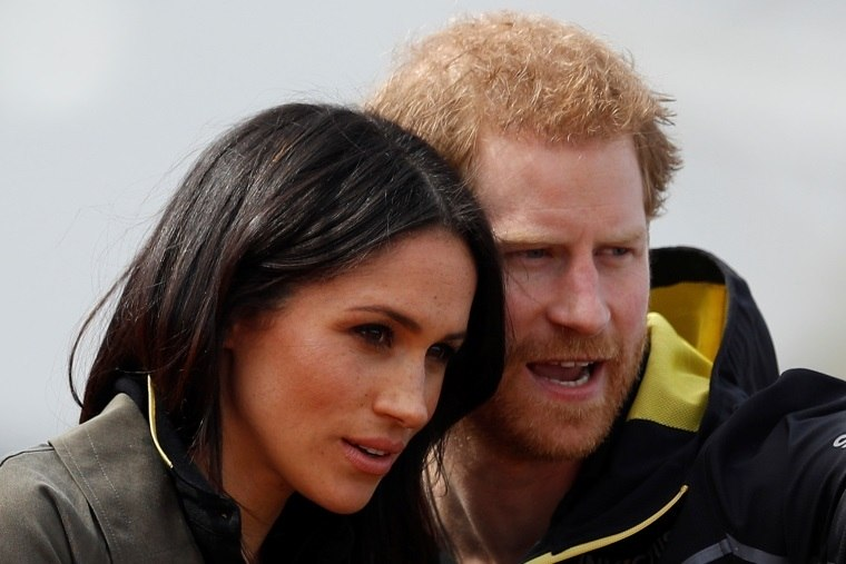 Príncipe Charles vai levar Megan Markle ao altar no casamento real