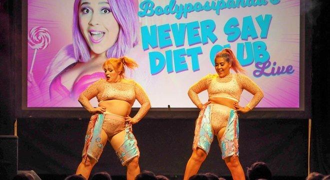 Ela cantou, dançou e debateu dietas no palco com outras ativistas do corpo